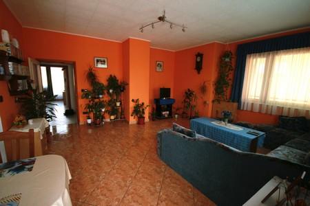 Csők vendégház Balatonlelle - I. Apartman (90 m2) 6 + 1 fő részére kiadó.