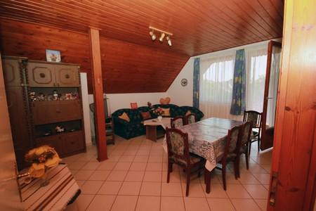 Csők vendégház Balatonlelle - II. Apartman (90 m2) 4 fő részére kiadó.