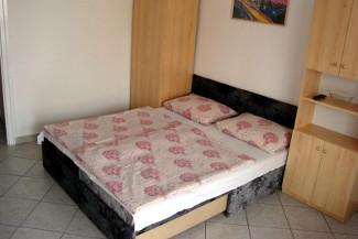 Csők vendégház Balatonlelle - III. Apartman (20 m2) 2 fő részére kiadó.